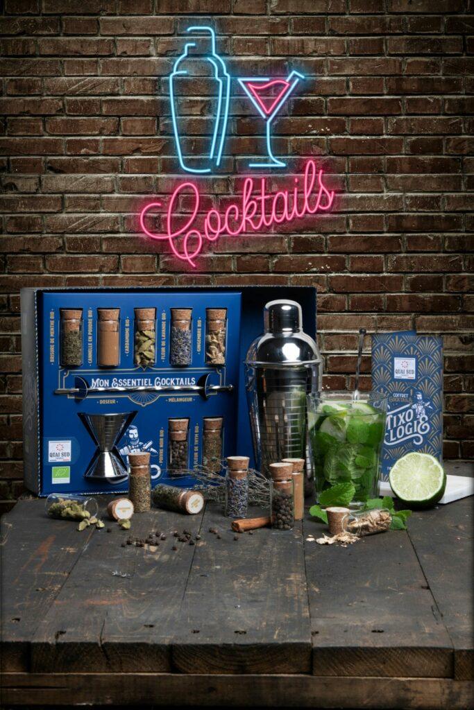 ambiance cocktail box neon mixology Quai Sud web