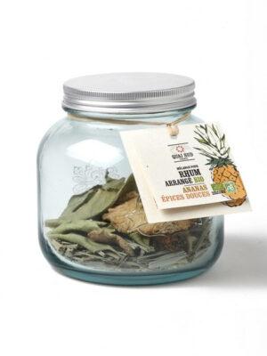 Mix für organisch angeordneten Rum, Ananas und süße Gewürze